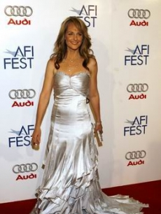 Helen Hunt is all glamour on the arrival line