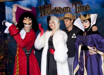 """Glee's"" Matthew Morrison hangs with Captain Hook from ""Peter Pan,"" Cruella de Vil and the Evil Queen from ""Snow White"" during Disneyland's Halloween Time celebration, Anaheim, Oct. 2, 2010"