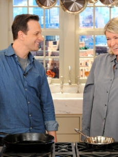 "Josh Charles from CBS' ""The Good Wife"" visits ""The Martha Stewart Show"" to cook seared steak fajitas with Mexican rice, NYC, Oct. 21, 2010"