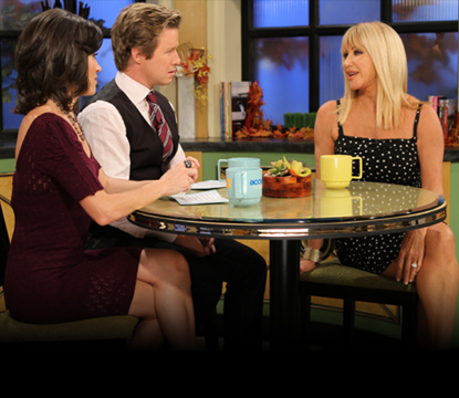 Suzanne Somers chats with Billy Bush and Kit Hoover on Access Hollywood Live on October 21, 2010