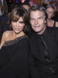 "Lisa Rinna and Harry Hamlin return for ""Dancing's"" 200th episode, Nov. 1, 2010"