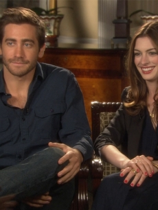Jake Gyllenhaal & Anne Hathaway Find The Ultimate 'Love ' Drug