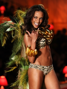 Selita Ebanks walks the runway during the 2010 Victoria's Secret Fashion Show at the Lexington Avenue Armory, NYC, November 10, 2010