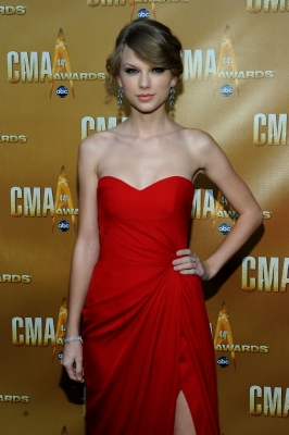 Taylor Swift attends the 44th Annual CMA Awards at the Bridgestone Arena, Nashville, Tenn., November 10, 2010