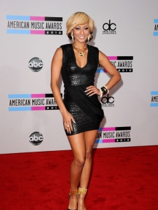 Keri Hilson arrives at the 2010 American Music Awards held at Nokia Theatre L.A. Live in Los Angeles on November 21, 2010