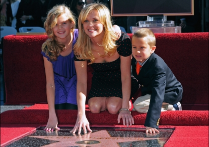 Reese Witherspoon with daughter Ava and son Deacon at Reese&#8217;s Walk of Fame ceremony on December 1, 2010 in Hollywood