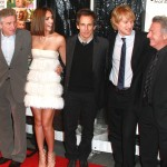 Robert De Niro, Jessica Alba, Ben Stiller, Owen Wilson and Dustin Hoffman attend the world premiere of 'Little Fockers' at the Ziegfeld Theatre on December 15, 2010 in New York City.