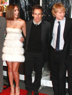 Robert De Niro, Jessica Alba, Ben Stiller, Owen Wilson and Dustin Hoffman attend the world premiere of &#8216;Little Fockers&#8217; at the Ziegfeld Theatre on December 15, 2010 in New York City.