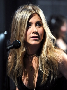 Jennifer Aniston attends the 2011 People's Choice Awards at Nokia Theatre L.A. Live, Los Angeles, January 5, 2011
