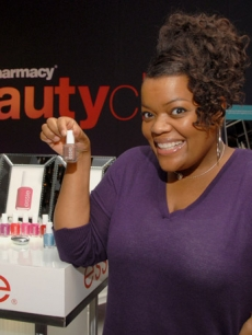 Yvette Nicole Brown is excited to bag some essie nail polish from CVS/pharmacy Beauty Club!