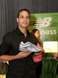 Daniel Sunjata is ready to run with his 850 TrueBalance shoes from New Balance
