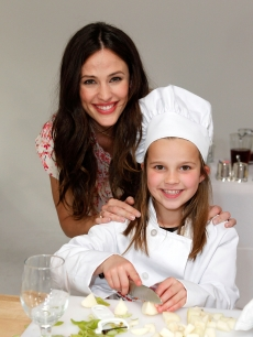 Jennifer Garner attends the Frigidaire launch of The Kids&#8217; Cooking Academy, held at Smashbox Studios, Los Angeles, January 18, 2011