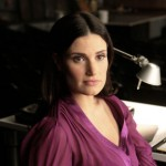 Singer, actress and Broadway star Idina Menzel played Shelby Corcoran, the coach of the glee club's rival Vocal Adrenaline and Rachel Berry's biological mother in Season 1