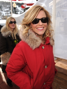 Elizabeth Banks sports a chic Woolrich John Rich and Bros Parka she picked up at the Variety Studio on Main where she promoted &#8220;My Idiot Brother&#8221; with her co-stars Paul Rudd and Zoey Dechanel