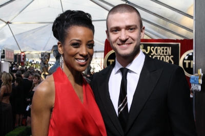 Access Hollywood&#8217;s Shaun Robinson and Justin Timberlake on the red carpet at The Screen Actors Guild Awards, Los Angeles, Jan. 30, 2011