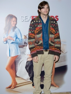 Ashton Kutcher attends the &#8220;No Strings Attached&#8221; photocall in Paris, France, on February 9, 2011