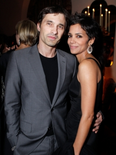 Olivier Martinez and Halle Berry step out at Harvey Weinstein and Dior's Oscar Dinner at Chateau Marmont  in Los Angeles, Calif., on February 23, 2011