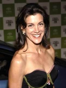 Wendie Malick makes a quick pause for a photograph