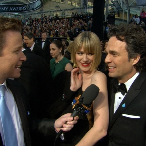 2011 Academy Awards Red Carpet: Mark Ruffalo Flexes His 'Incredible Hulk' Muscles!