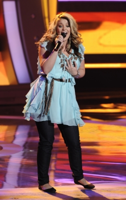 "Lauren Alaina performs Shania Twain's ""Any Man of Mine"" on Week 2 of Season 10 of ""American Idol,"" March 9, 2011"