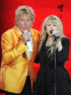 Rod Stewart and Stevie Nicks sing their hearts out at Philips Arena in Atlanta, Georgia on March 24, 2011