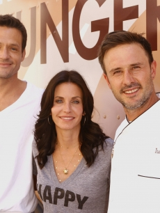 Courteney Cox, David Arquette, and Josh Hopkins attend a Feeding America event on August 31, 2009