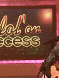 "Paul McDonald, from ""American Idol"" Season 10, performs on the Access stage, April, 2011"