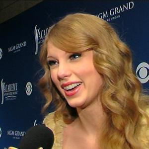 2011 Academy Of Country Music Awards Backstage: Taylor Swift Has An &#8216;Unbelievable&#8217; Night