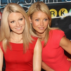Kelly Ripa Talks Getting Waxed: Could Regis Pick The Real Kelly?