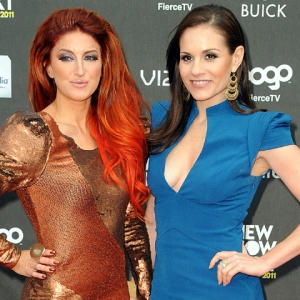 Kara DioGuardi Introduces New Artist Neon Hitch, Talks 'Idol'