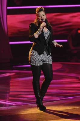 "Lauren Alaina sings ""Natural Woman"" on ""American Idol"" on April 6, 2011"