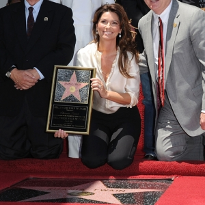 Shania Twain Gets Her Star On The Hollywood Walk Of Fame (June 2, 2011)