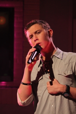 "Scotty McCreery performs ""I Love You This Big"" on Access Hollywood, May 26, 2011"