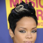 Rihanna arrives on the red carpet of the 2008 MTV Video Music Awards at Paramount Pictures Studios on September 7, 2008