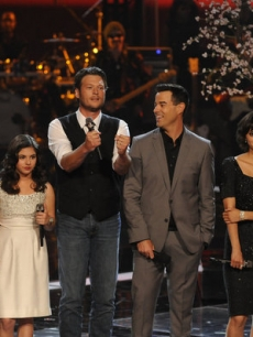 "Jared Blake, Xenia, Blake Shelton, Carson Daly, Dia Frampton and Patrick Thomas after their performance of ""This Love,"" the Maroon 5 song, on ""The Voice,"" June 7, 2011"