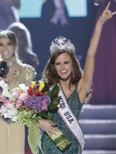 Alyssa Campanella, Miss California, is crowned as the 2011 Miss USA in Las Vegas on June 19, 2011