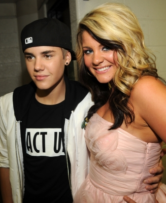 "Justin Bieber and ""Idol's"" Lauren Alaina pose backstage at the 2011 CMT Music Awards at the Bridgestone Arena, Nashville, on June 8, 2011"
