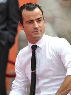 Justin Theroux attends Jennifer Aniston's Hand and Footprint Ceremony at Grauman's Chinese Theatre on July 7, 2011