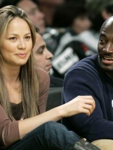 Moon Bloodgood & Taye Diggs at the Lakers-Bucks game in LA