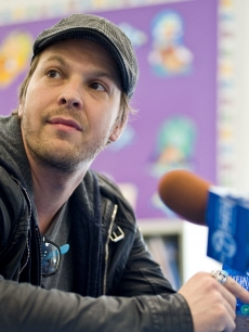 Gavin Degraw attends the Grammy Foundation Labels for Education Star-Powered Music Day at St. Edmund's Parish School in Oak Park, Illinois on April 5, 2011
