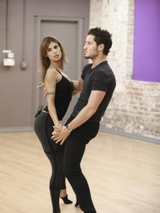 Elisabetta Canalis and Val Chmerkovskiy rehearse for Season 13 of &#8216;Dancing with the Stars&#8217;