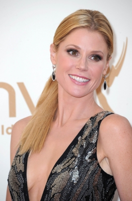 Julie Bowen stuns at the 63rd Annual Primetime Emmy Awards held at Nokia Theatre L.A. LIVE on September 18, 2011
