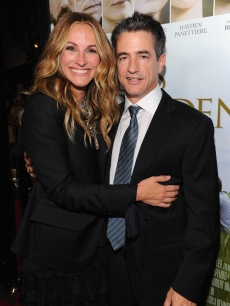 Julia Roberts and Dermot Mulroney step out at the 'Fireflies In The Garden' premiere in Los Angeles on October 12, 2011