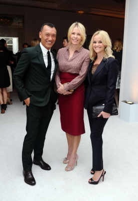 Joe Zee, Chelsea Handler and Reese Witherspoon are all smiles at ELLE's 18th Annual Women in Hollywood Tribute held at the Four Seasons Hotel in Los Angeles, Calif., on October 17, 2011