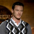 How Did Henry Cavill &amp; Luke Evans Buff Up For &#8216;Immortals&#8217;?