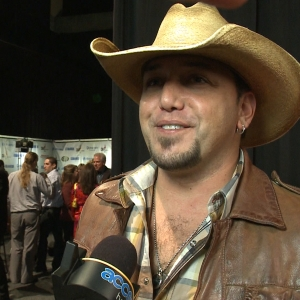 2011 CMA Awards Backstage: Jason Aldean &#8216;Couldn&#8217;t Be Happier&#8217; About His Win