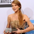 2011 AMAs Backstage: Taylor Swift&#8217;s &#8216;Magical&#8217; Night