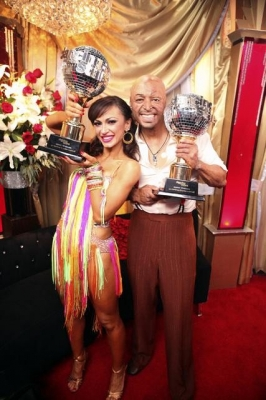 Karina Smirnoff and J.R. Martinez celebrate winning &#8216;Dancing with the Stars&#8217; Season 13, Nov. 22, 2011