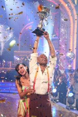 Karina Smirnoff and J.R. Martinez celebrate winning 'Dancing with the Stars' Season 13, Nov. 22, 2011