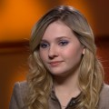 Abigail Breslin Talks Working With Sarah Jessica Parker On 'New Year's Eve'